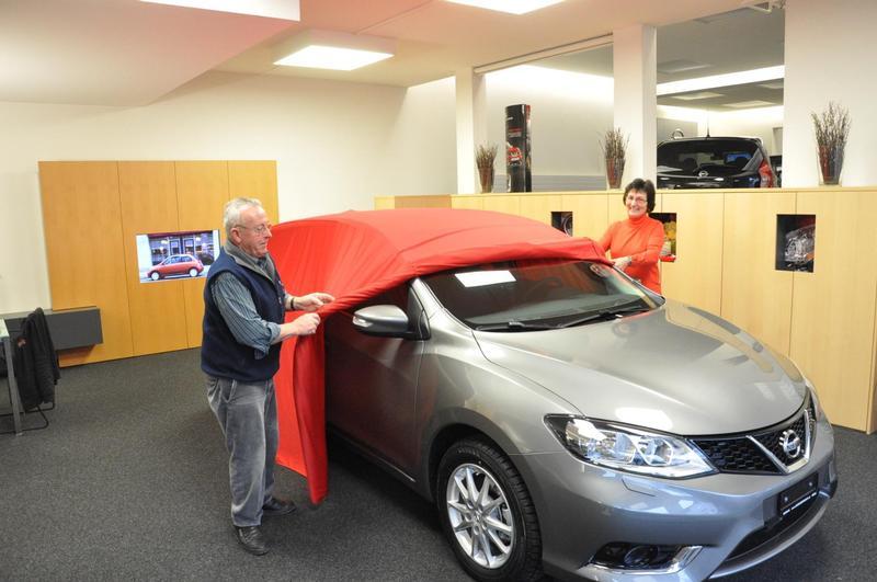 Kunden enthüllen ihr neues Auto